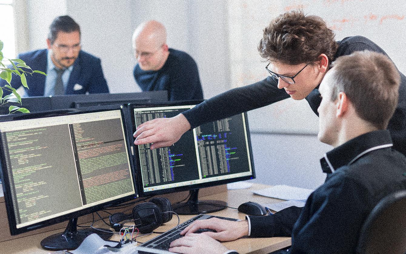 Разработка программных продуктов, команда разработчиков ПО